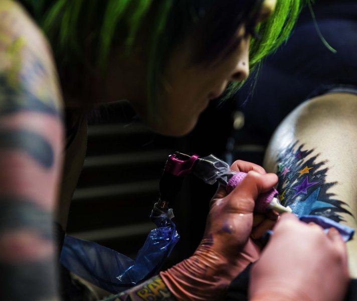 tattoo artist Nikki